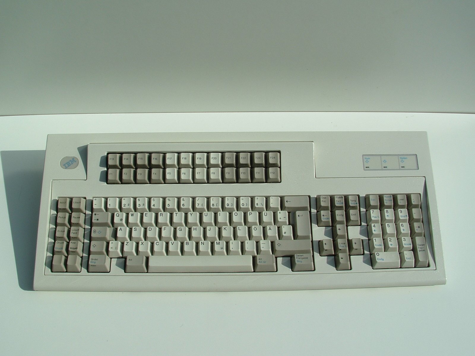 Hello, can anyone recommend a keyboard with extra function keys?